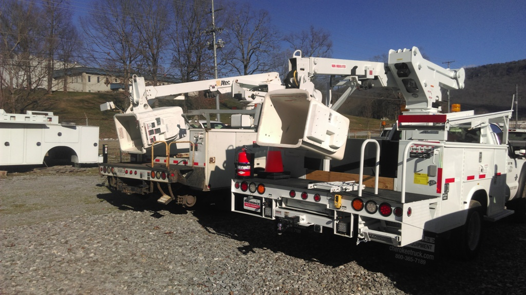 bucket trucks used railroad trucks rr bucket trucks 2 cherokee truck equipment
